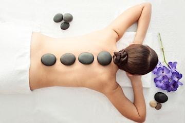 90 minutter avslappende Hot Stone-massasje hos Kosmetisk Lege