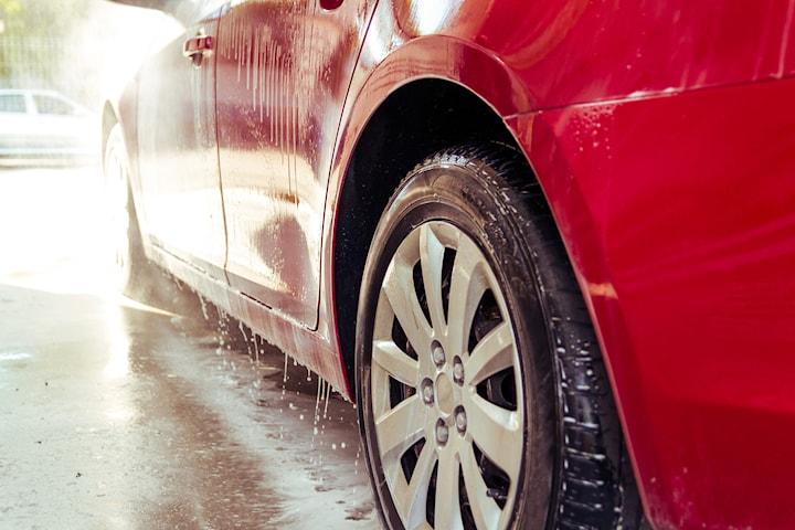 In- och utvändig tvätt hos Biltvätten