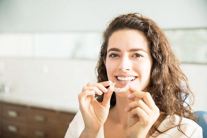 Spar hele 22.500,- på usynlig tannregulering hos Strømmen Tannhelse