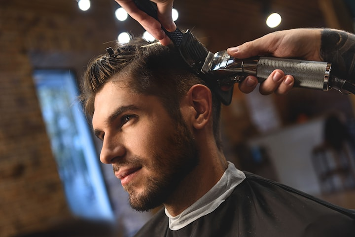 Hårklipp til barn eller voksen, med eller uten skjeggtrim hos Acklimax frisør