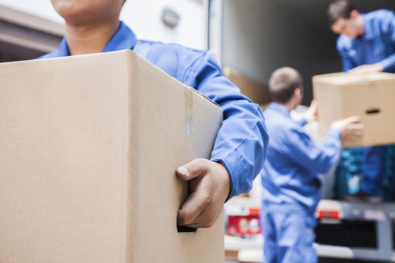 Flytthjälp inkl. personal och lastbil (1 av 1)