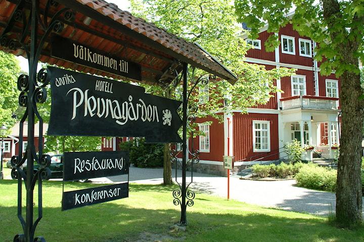 Övernattning inkl. 3-rätters för 2 pers på Plevnagården