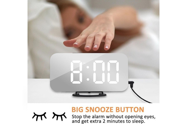 Väckarklocka med spegel