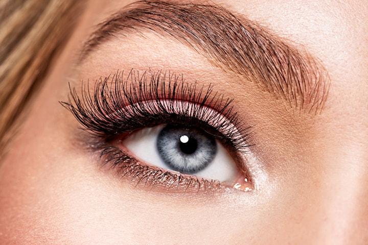 Frans- och ögonbrynsfärg inkl. plock/trådning