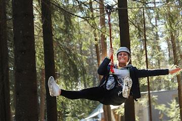Eksklusivt tilbud hos Oslo Klatrepark i Groruddalen! Kan brukes ut hele sesongen 2021 - opptil seks billetter per person