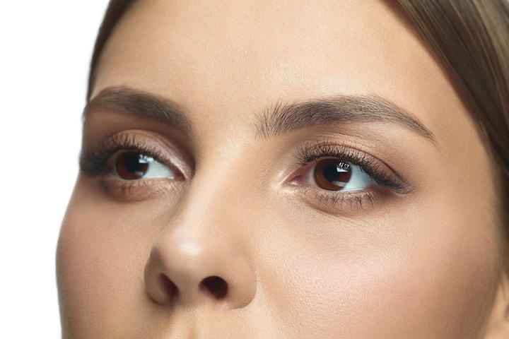 Behandling av mörka ringar och slapp hud under ögonen