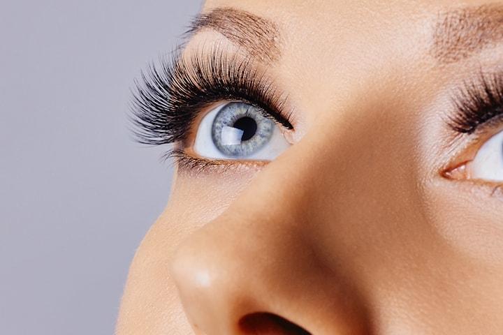 Vippeløft  inkl. farging hos Permanent Makeup Senter