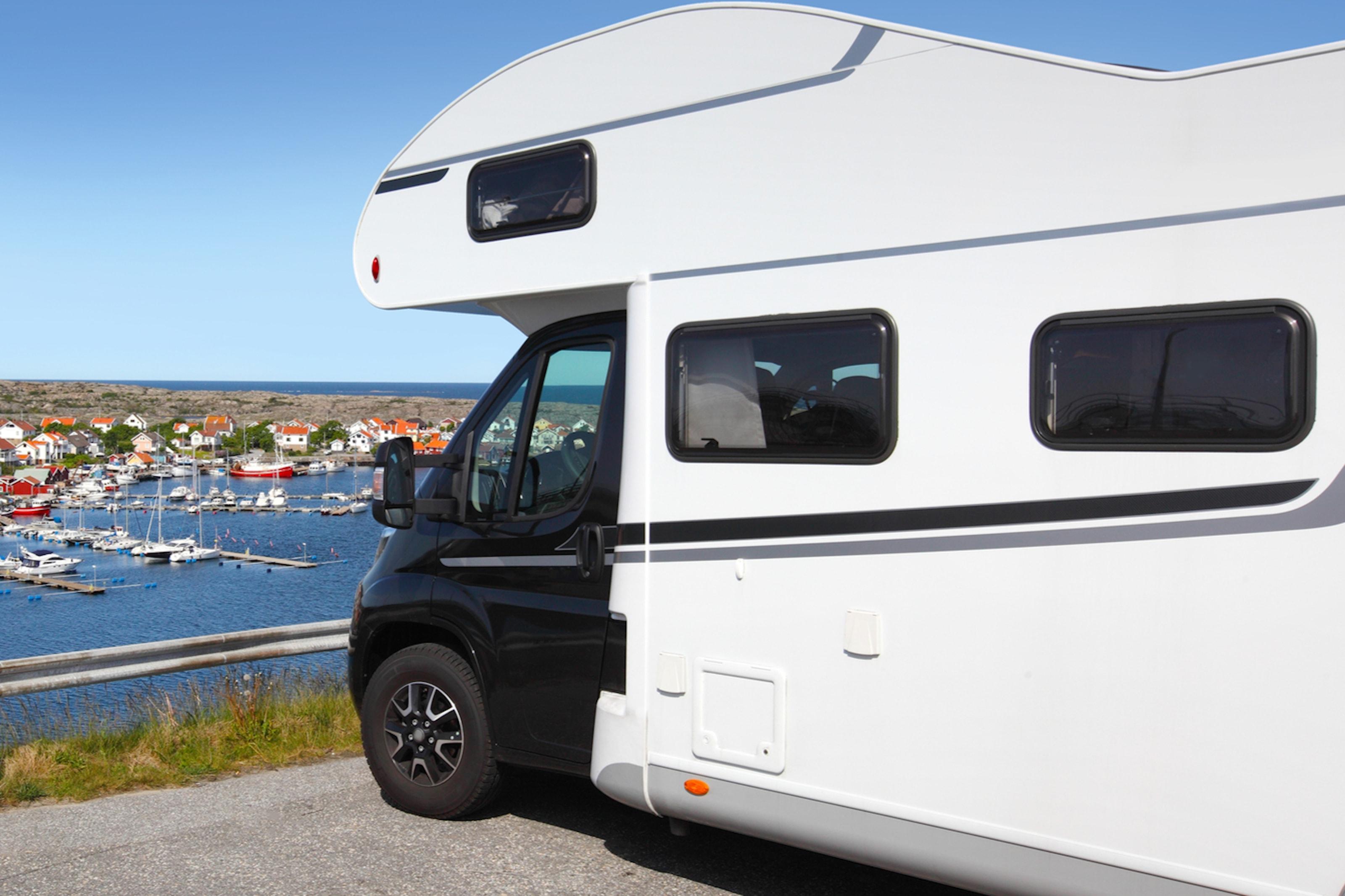 Deluxe husbilstvätt hos CTM Car truck mek Sweden AB