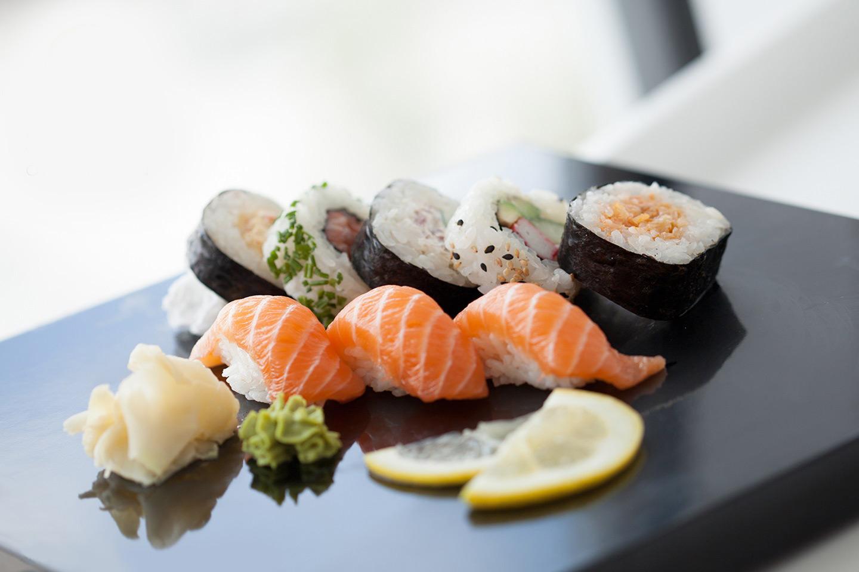 Sushi 12-bitar inklusive soppa och dryck hos Sushi of Sweden (1 av 11)