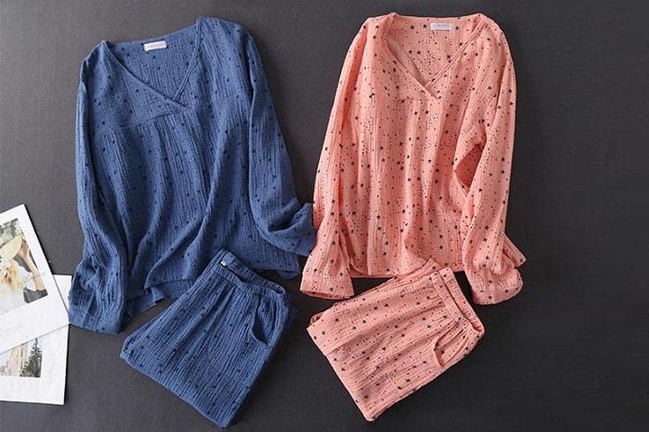 Pyjamas med stjernemønster