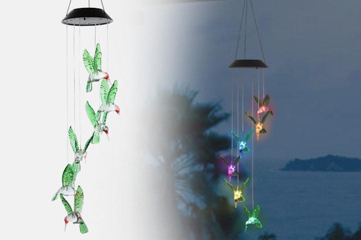 Vindspel med färgbytande LED-lampor