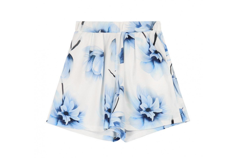 Matchande topp och shorts
