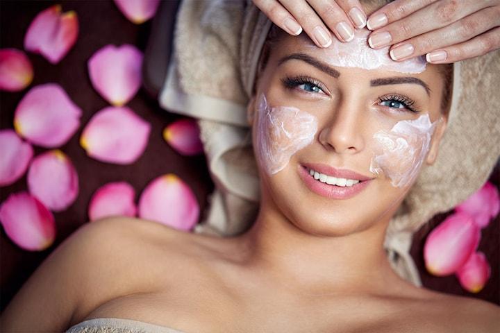 Ljuvlig helkroppsbehandling inkl. massage på Sparadiset