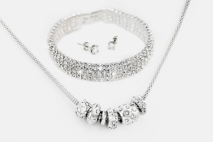 Smykkesett med over 140 Swarovski-krystaller