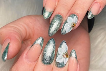 Nytt set akrylnaglar med gellack hos Nails by Parva vid Heden