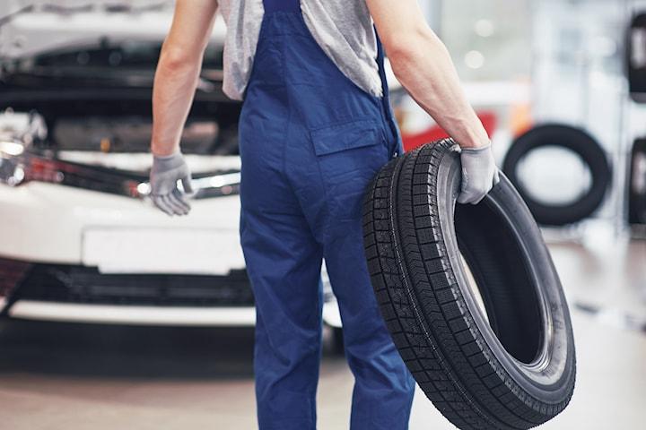 Spar tid og krefter med Dekkskift og grundig utvendig vask hos Helsfyr bilvask