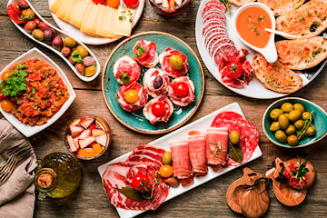 Ekte spansk tapas hos etablerte La Sangria, for to personer