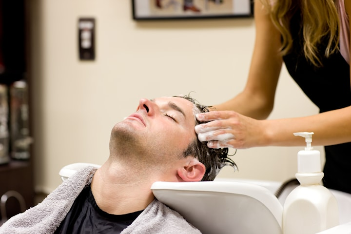 Herr- eller barnklippning eller rakning av skägg