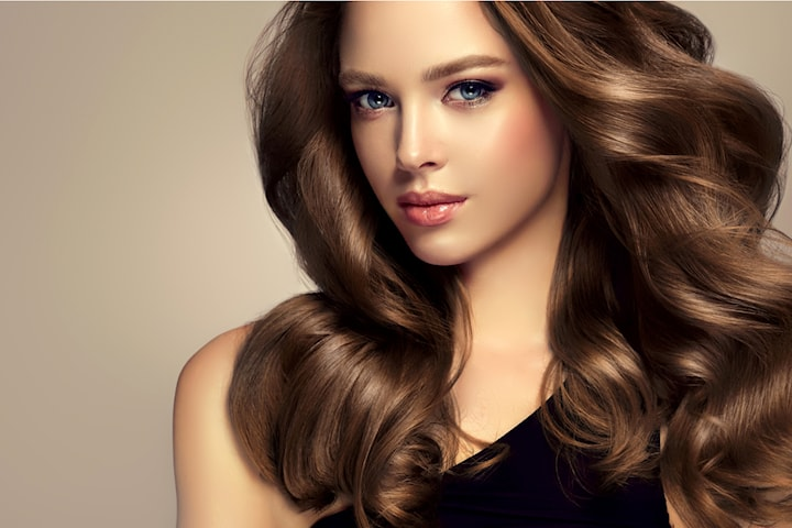 Fräscha upp håret med klipp, färg, Olaplex och styling