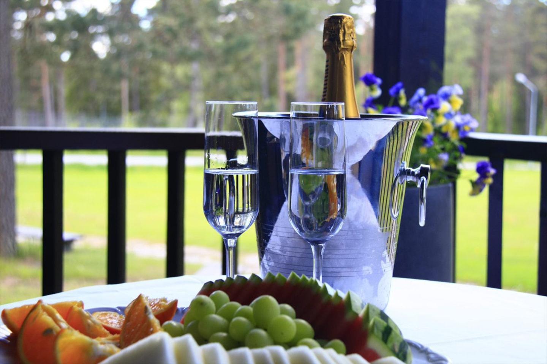 Boende och frukost för 2 på Hotell Mullsjö