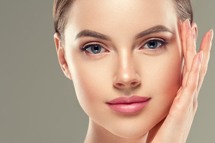 Fremhev dine konturer med permanent makeup hos Revive