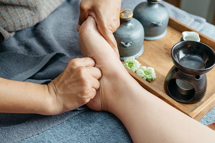Fotmassage inkl. örtbad