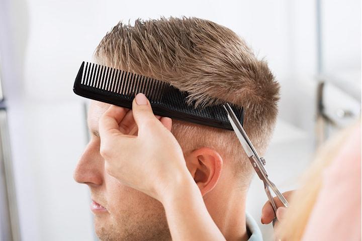 Klippning på Joe Hair Style Salong i Kållered
