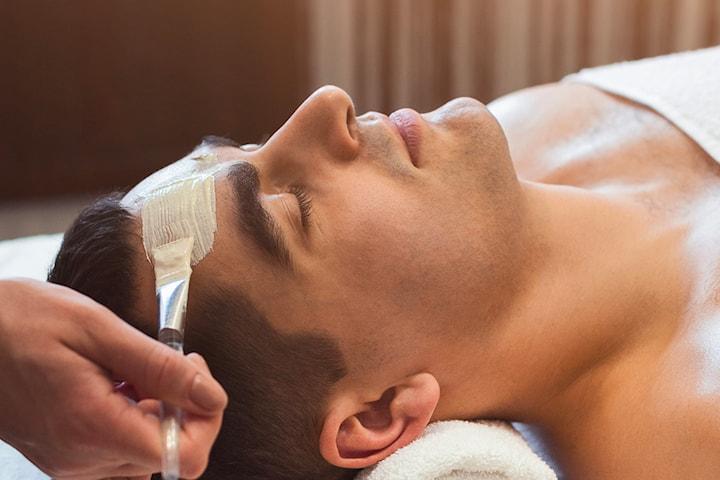 Ayurvedisk huvud- och ansiktsmassage