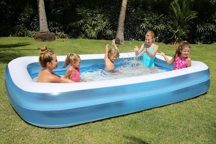 Oppblåsbart svømmebasseng