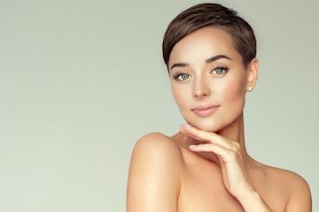 Få renere hud med ansiktsbehandling og LED-lysterapi hos Dental & Dermal