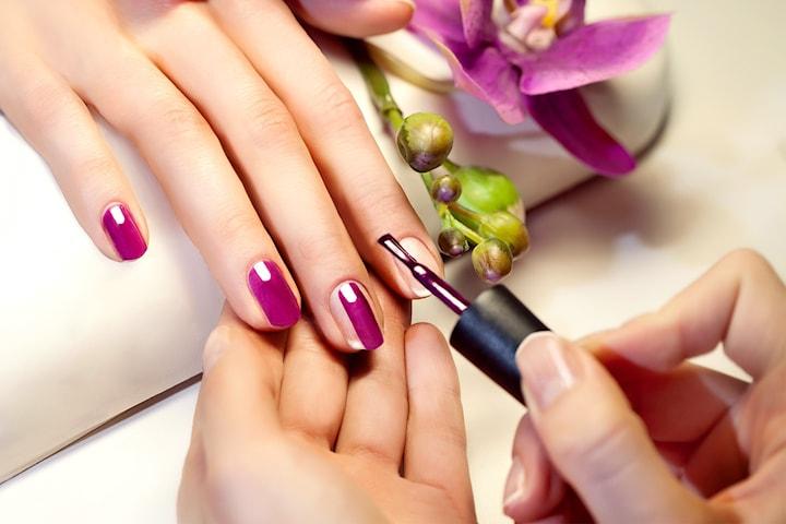 Nagelförlängning med PolyGel eller manikyr