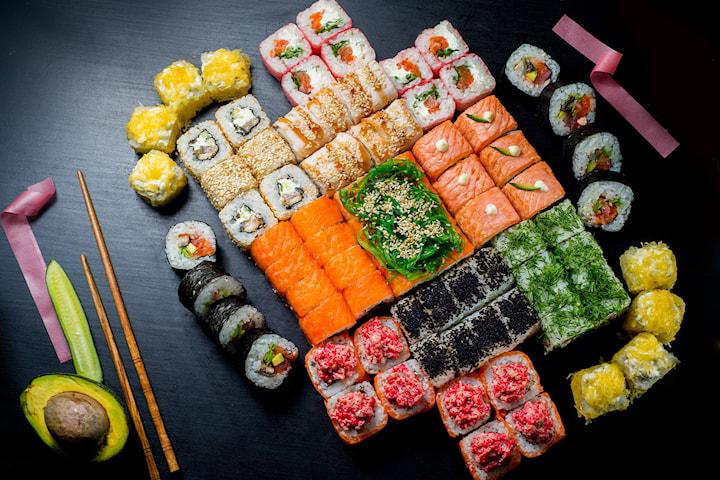 Takeaway sushi familiemeny fra RollSushi på Majorstuen