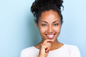 Tandundersökning med tandstensborttagning och Airflow