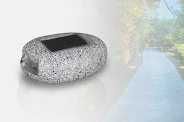 Steinformet hagelys med solcellepanel