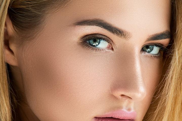 Eksklusiv microblading med fult sett og phibrow pigmentering hos Plasma Couture & Beauty