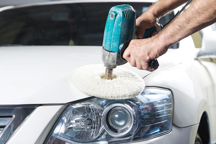 In- och utvändig biltvätt samt vaxning