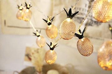 LED-lys med ananas