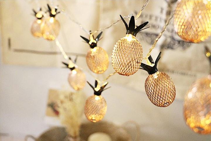 Ljusslinga med ananaser