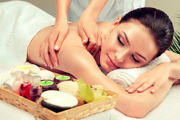 Massasje og kopping hos Pham Akupunktur & Massasje i Strømmen