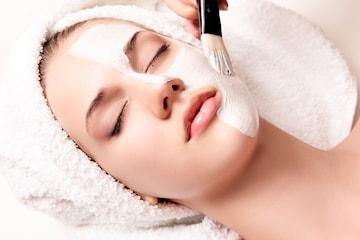 Kjemisk peeling: behandlingen som gir deg «ny hud»