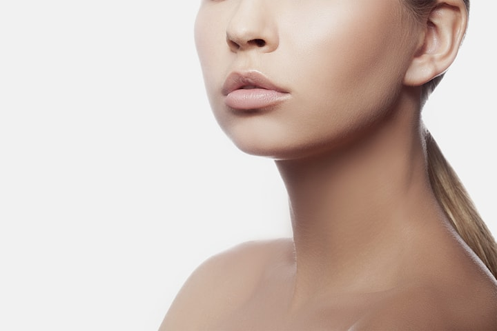 Fillerbehandling utført av erfaren kosmetisk sykepleier hos Hud og Hår klinikken
