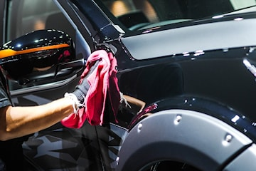 Fullshine bilvask med eller uten lakkforsegling hos Økonomi Bilservice på Alnabru