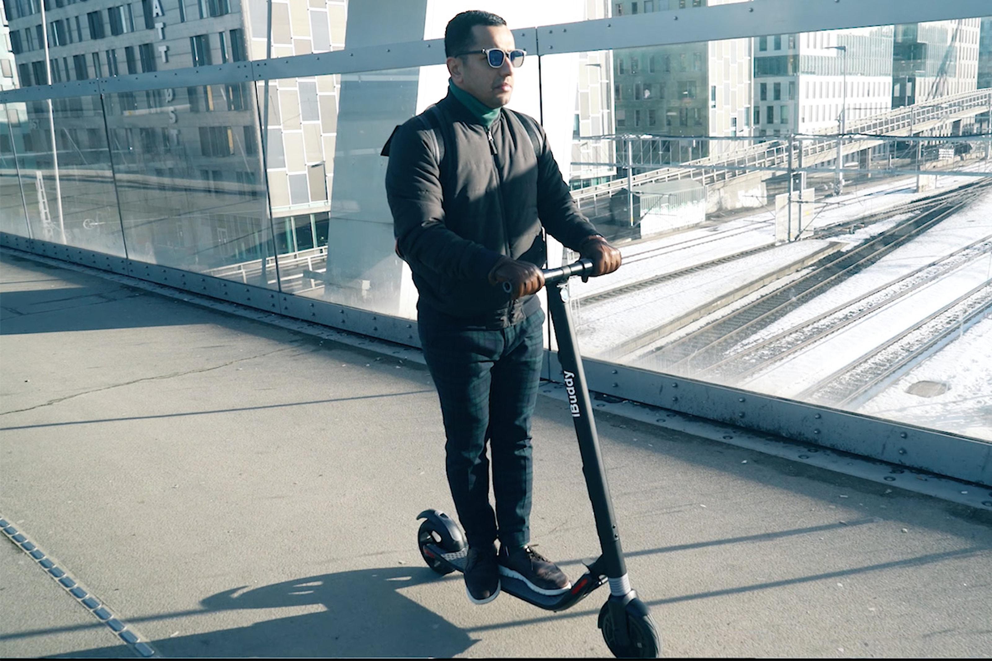 iBuddy hopfällbar el-scooter