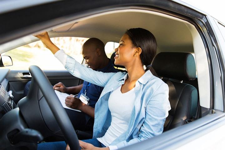 Startpaket körkort: körlektioner 3x80 min, riskettan och onlinetester