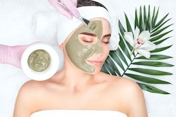 Luksuriøs greenpeel ansiktsbehandling hos Carismaklinikken