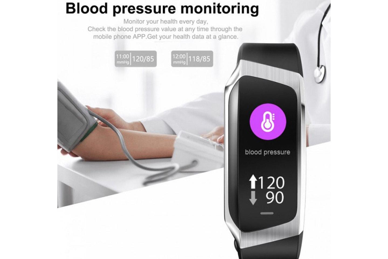 Aktivitetsarmbånd med blodtrykksmåler