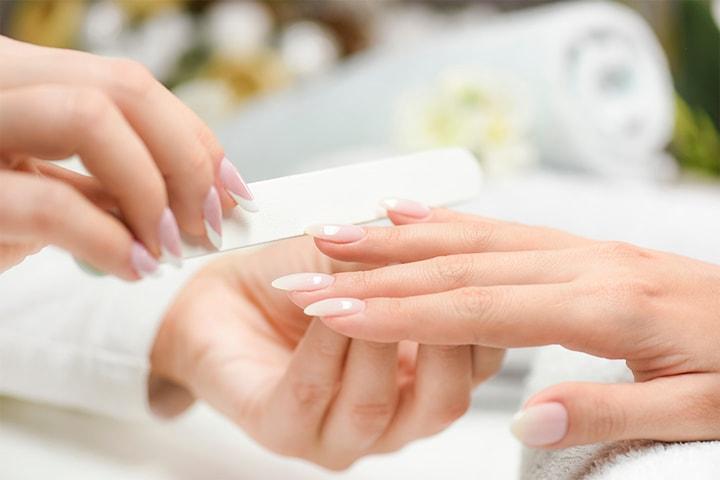 Manikyr med eller uten gellack hos Beauty Line By Baitrusatiene