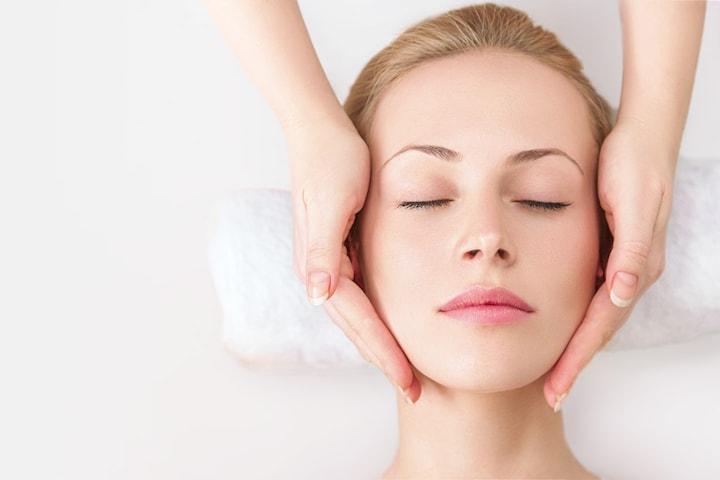 60 min ansiktsbehandling deluxe hos Flawless by lyx