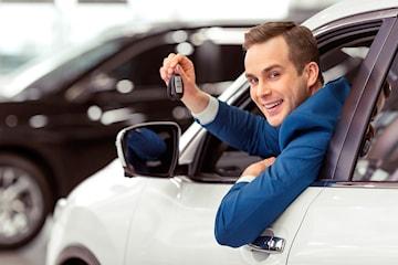 Kom i gang med førerkort med opp til 6 kjøretimer hos Sikker Trafikkskole
