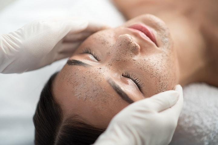 Green Peel ansiktsbehandling hos AM Esthetic Clinic
